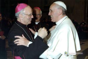 Papa Francesco con mons. Nunzio Galantino.