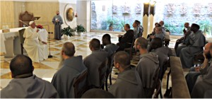 Papa Francesco incontra i francescani dell'Immacolata e il kommissario Volpi.