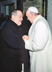 Papa Francesco con P. Volpi, il kommissario dei frati francescani dell'Immacolata.