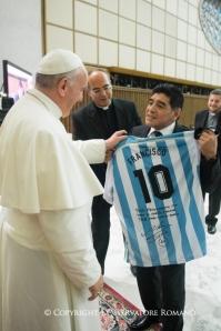Papa Francesco e Diego Armando Maradona.