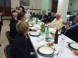 Pranzo a Santa Marta con i leaders delle comunità pentecostali.
