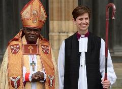 """Ordinazione della prima donna """"vescovo"""" della chiesa anglicana."""