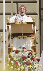 Castel Gandolfo, 15 agosto 2013. Papa Francesco celebra la Messa dellAssunta.