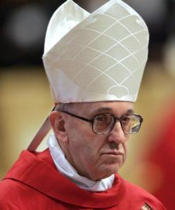 Bergoglio alla Messa eligendo pro Romano Pontefice del 18 aprile 2005.