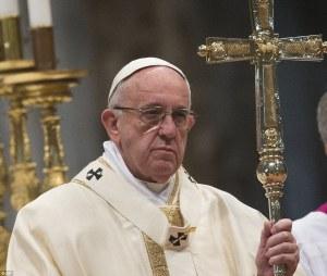 """Francesco. Chi frequentò lallora card. Bergoglio in Argentina, racconta che """"non dimentica mai uno sgarro"""" e che di averlo visto """"sorridere solo quando sconfiggeva un suo nemico""""."""