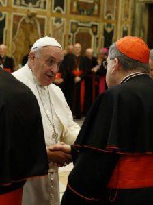 Francesco e il card. Burke lo scorso dicembre.