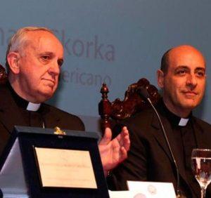 Mons. Fernandez con lallora card. Bergoglio nel 2012.