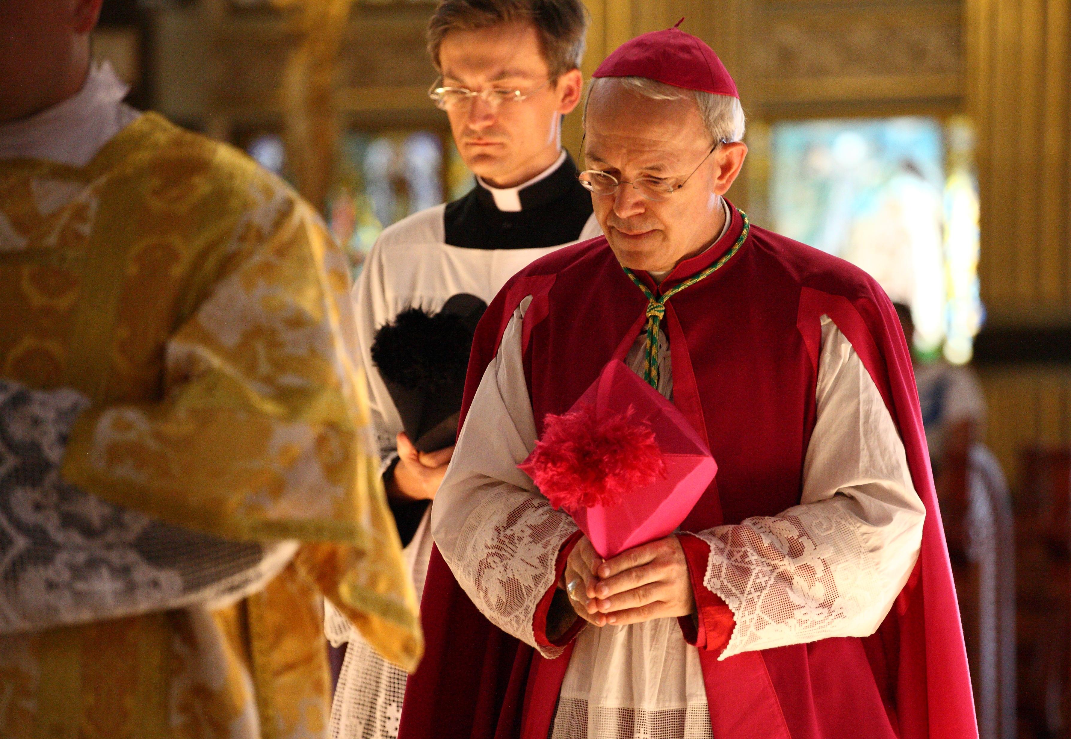 Reti unificate: dichiarazione di S.E. Mons. Athanasius Schneider