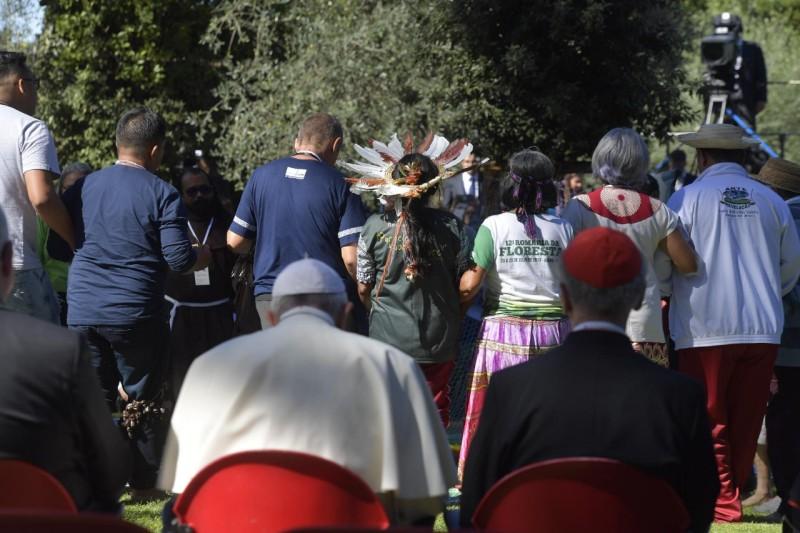Orgia panteista in Vaticano alla dea madre, usando san Francesco d'Assisi